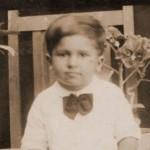 Esmail Khoi[