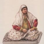 زنی است که در دسته خانم خرسوار روضه می خواند