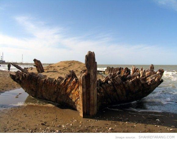 A Shipwreck in Miankaleh - کشتی غرق شده در میانکاله
