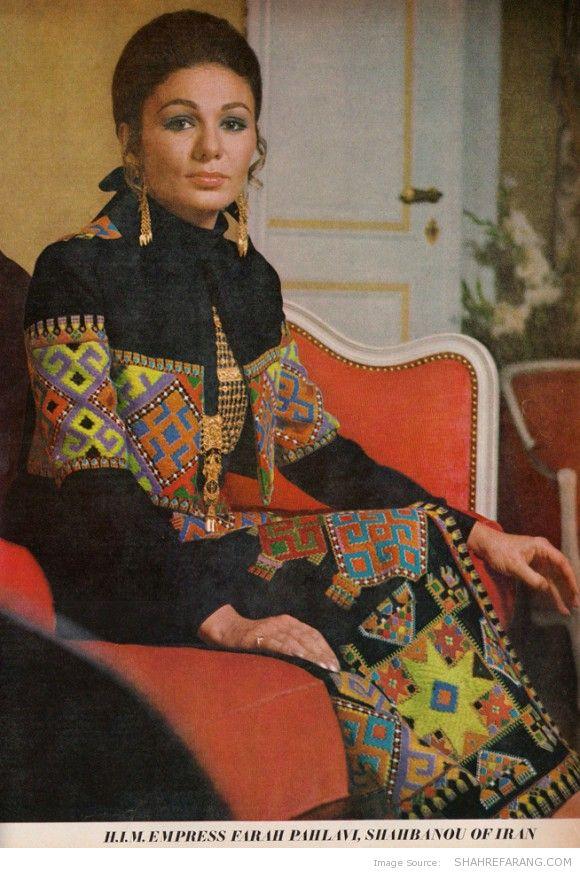 گزارش ویژه «WEG» از ایران در سال 48 + عکس فرح دیبا با لباس لوچ -
