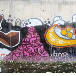 Graffiti on Tehran canal walls (26)