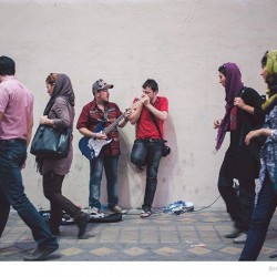 Street Singers and the Passers-by (2)