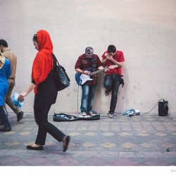 Street Singers and the Passers-by (8)