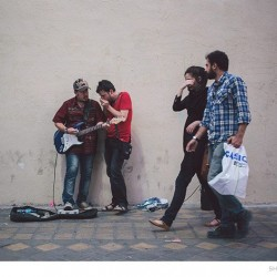 Street Singers and the Passers-by (11)