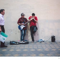 Street Singers and the Passers-by (6)