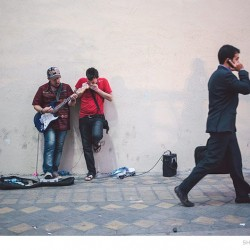 Street Singers and the Passers-by (7)