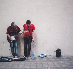 Street Singers and the Passers-by (12)
