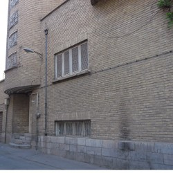 A House Near Ferdowsi Square (22)
